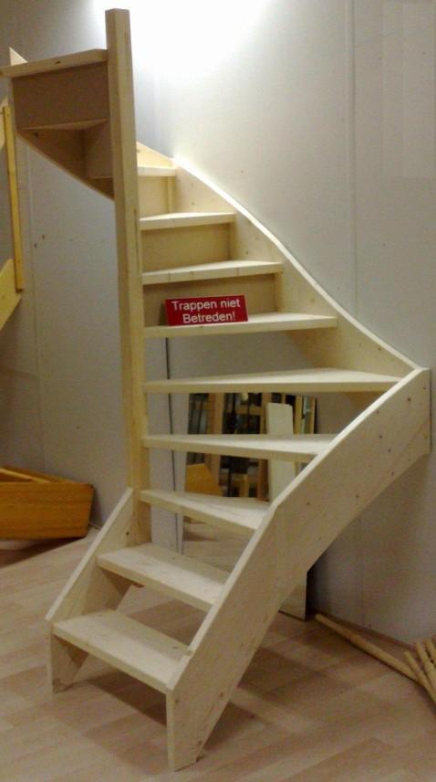 Foto 39 s en filmpjes van doe het zelf trappen - Hoe een trap te kleden ...