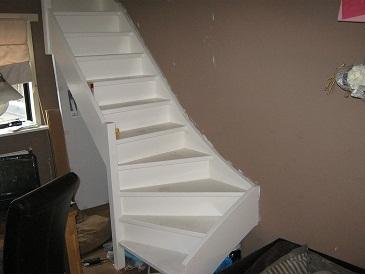 Foto 39 s en filmpjes van doe het zelf trappen for Goedkope trappenmaker